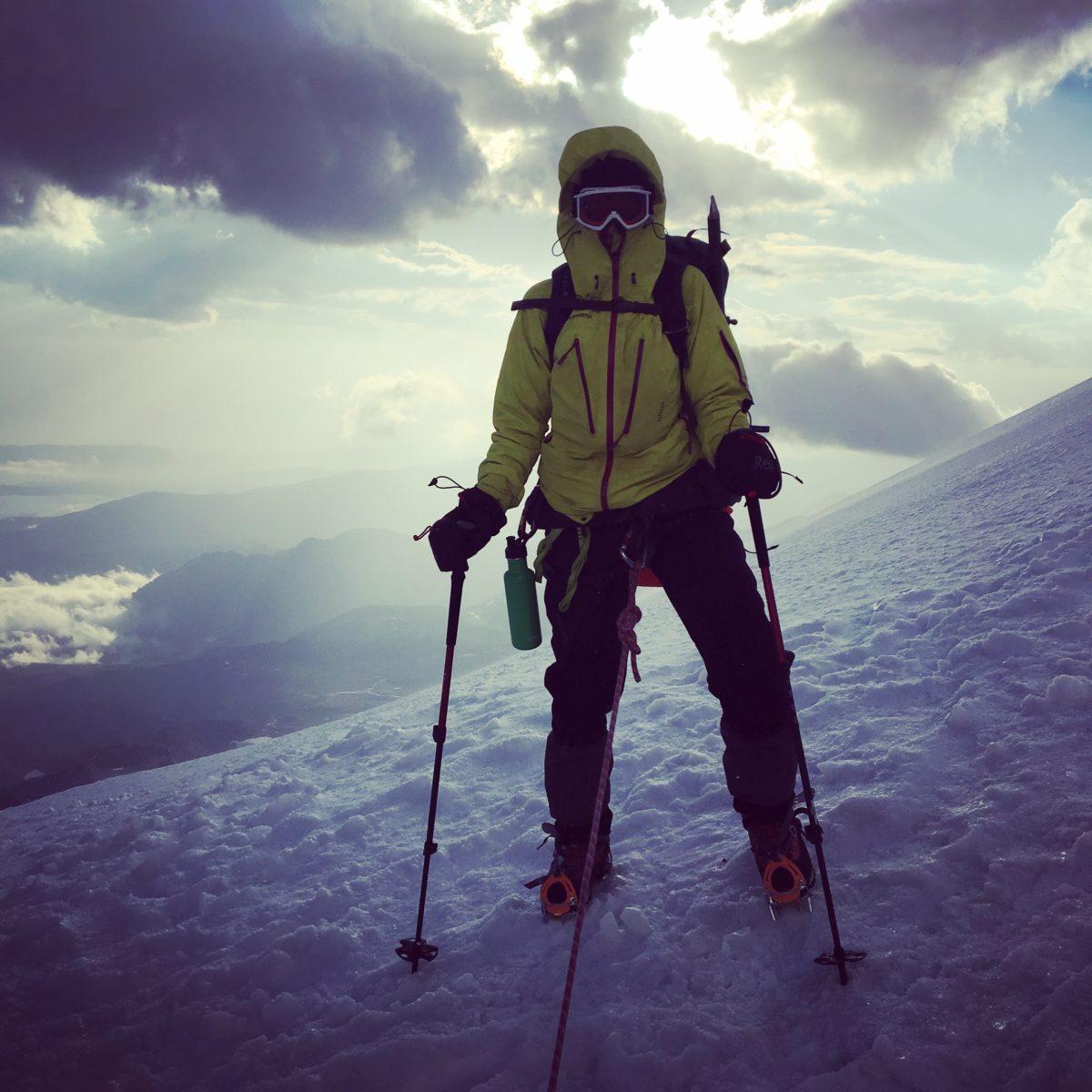 På toppen av Mount Elbrus