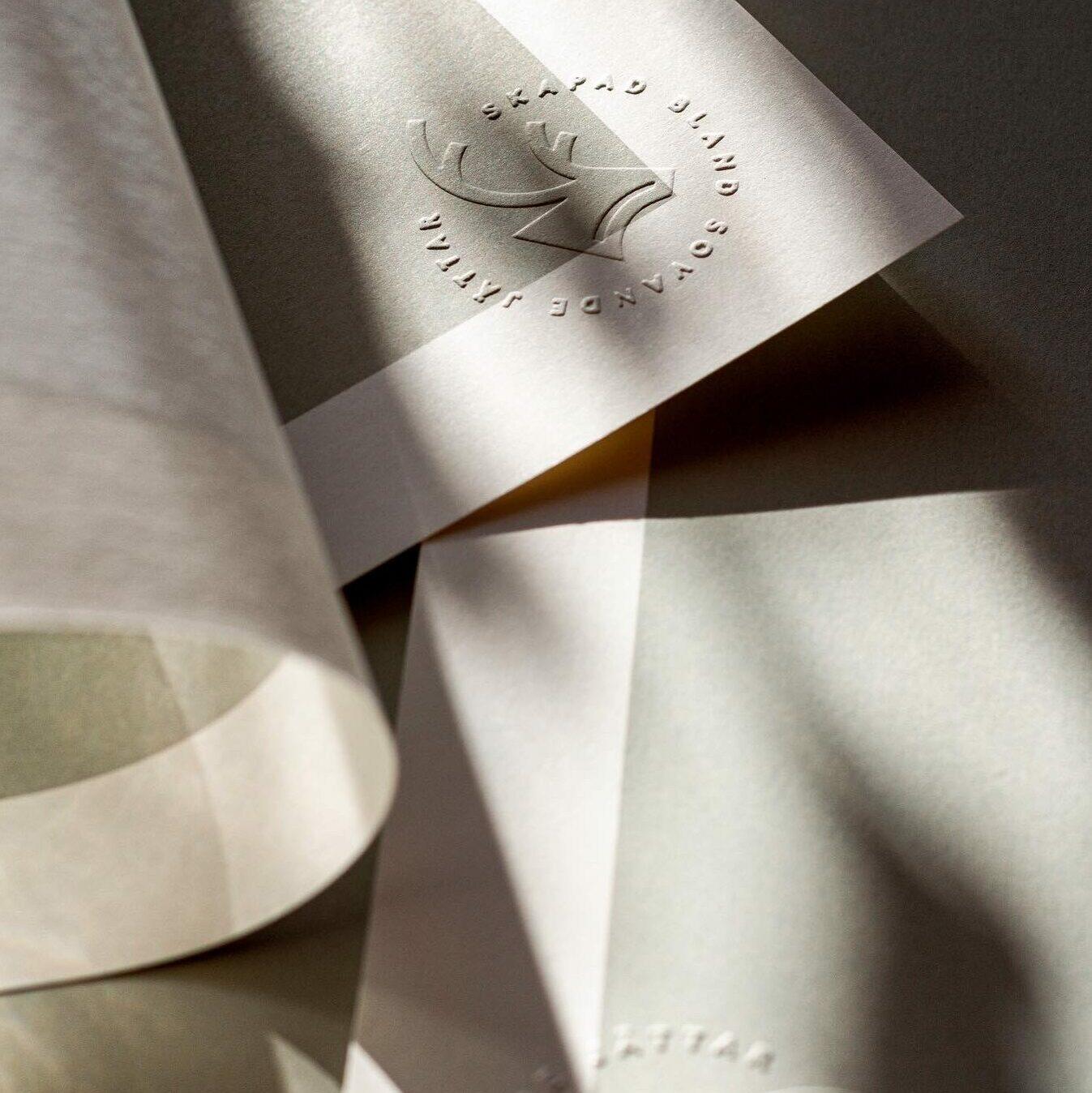 Fjelltopp motifs printed.
