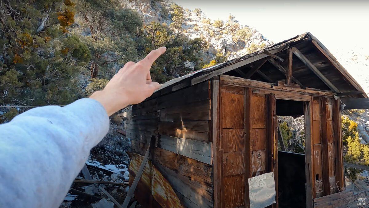 A cabin at Cerro Gordo